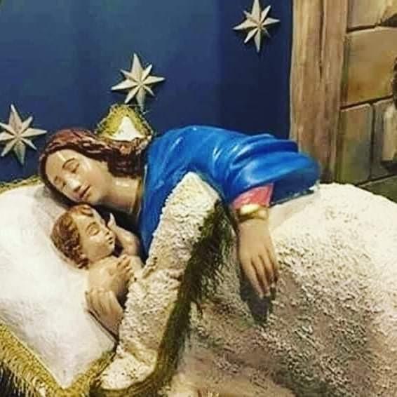 madonna dormiente con bambino